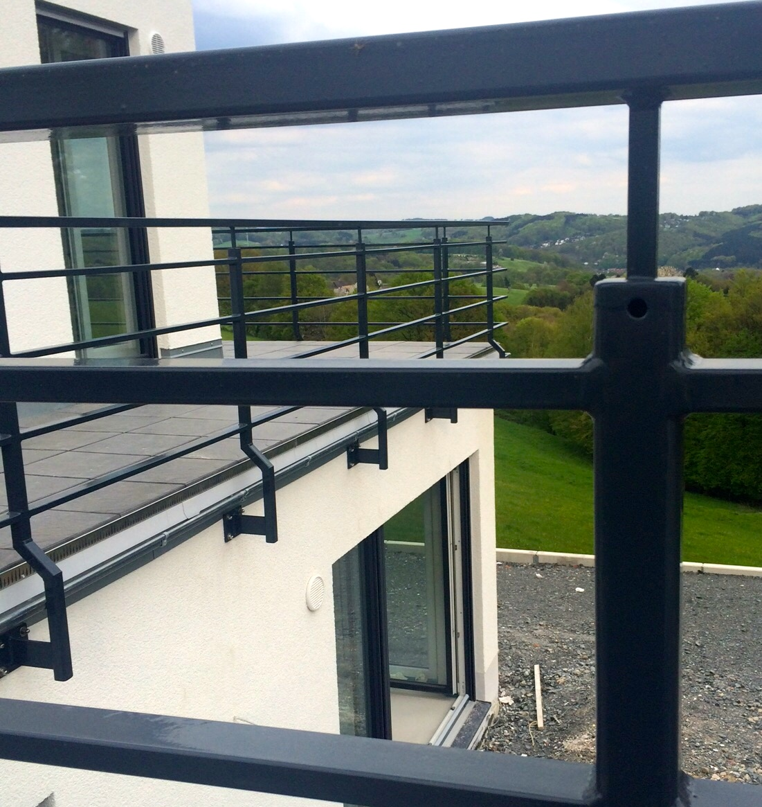 balkon co bauhaus mit kernhaus. Black Bedroom Furniture Sets. Home Design Ideas